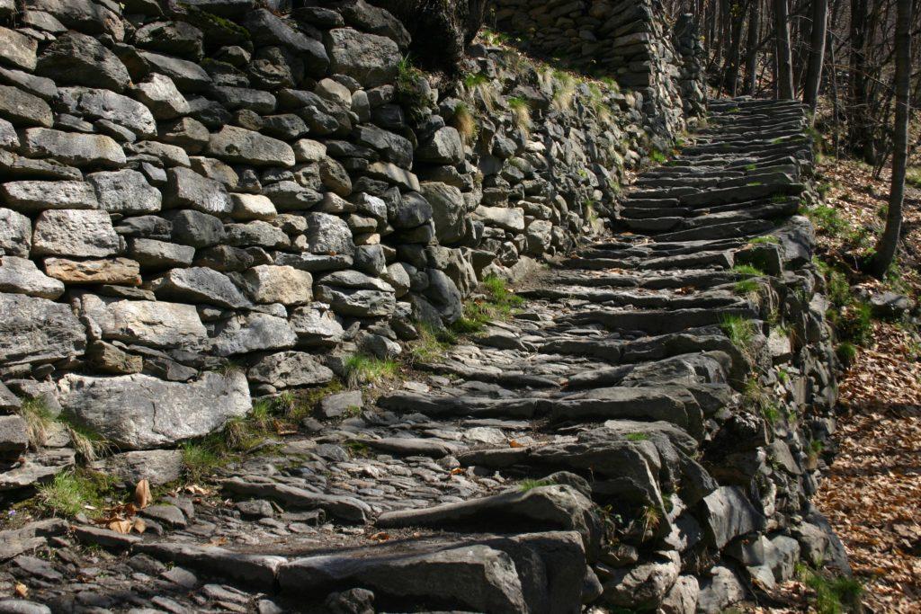 Mulattiera Savogno copia 10# Val Bregaglia italiana: la valle delle meraviglie