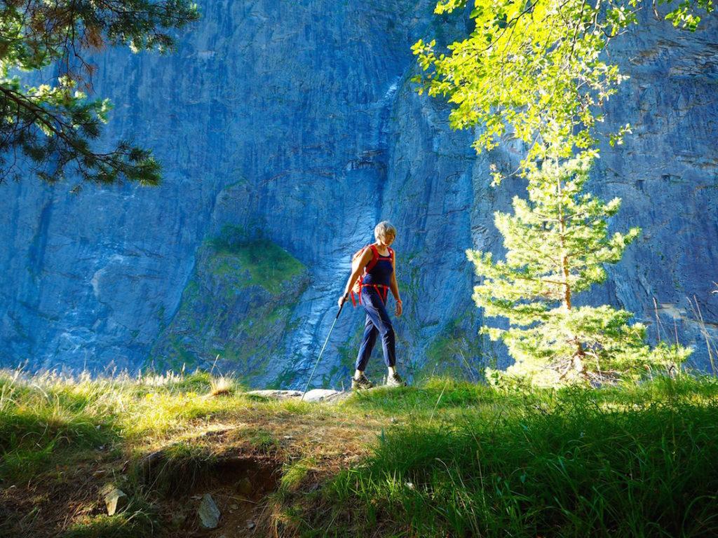 """1 Sentiero per Corvetsch sullo sfondo propaggini della Pala di Gondo copia 13 anelli escursionistici """"firmati"""" da provare"""