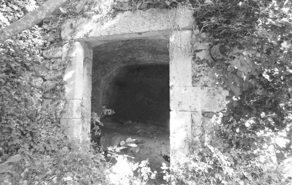 mulino rupestre Taddei 14# Valle del Foro, Majella: immergersi nella natura.