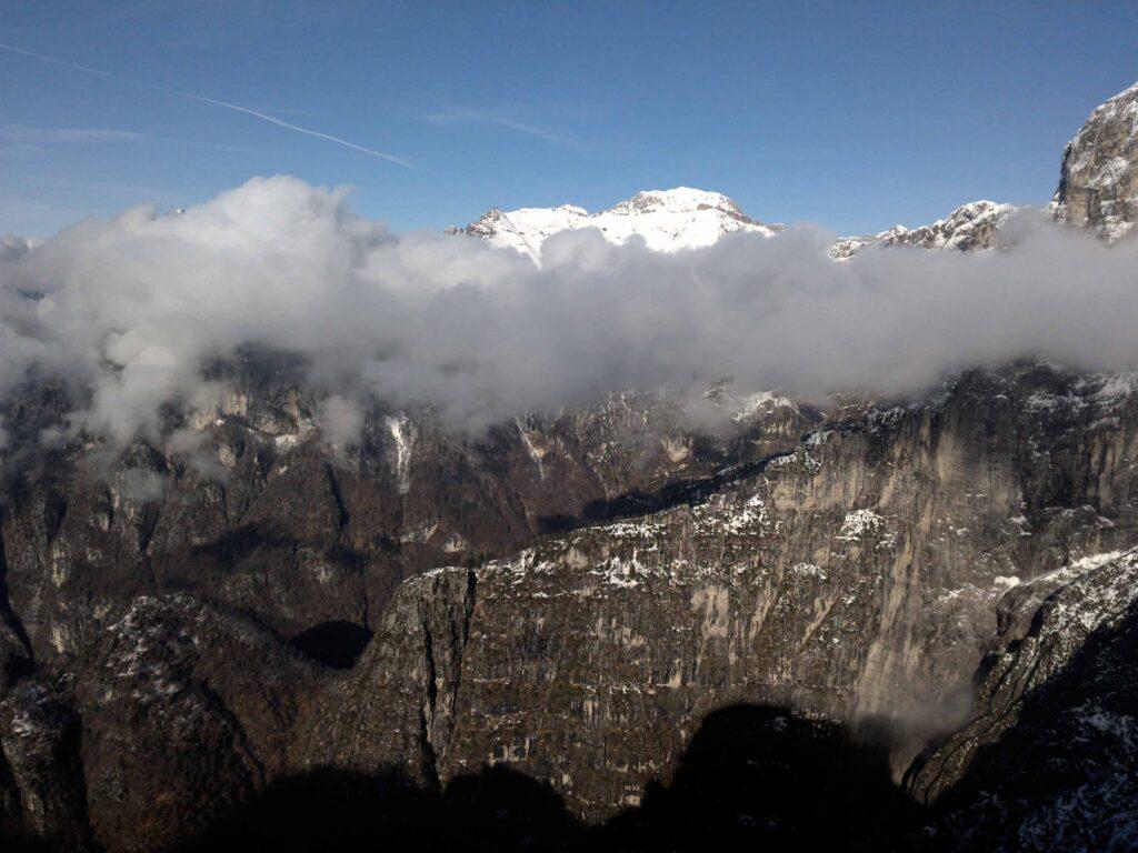 Panoramica Val de Piero e Val Ru da Molin. Salendo al Monte Coro.