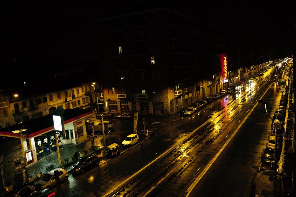 Torino notte in Corso Giulio Cesare