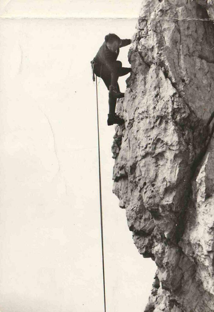 Cesare Maestri vecchia cartolina